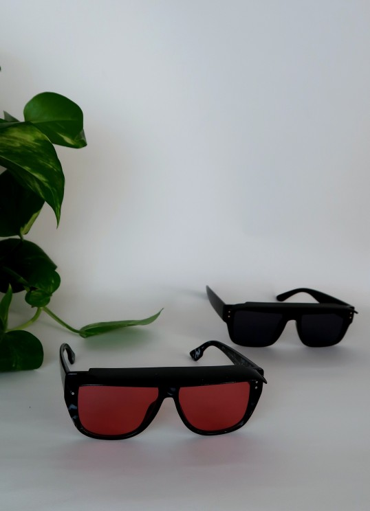 OVERSIZE sunglass in pink/black
